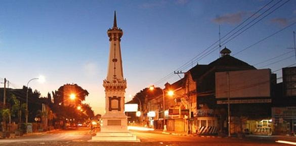 Tempat sewa mobil jogja, sewa mobil murah, rental mobil murah, rental mobil jogja, Tugu Yogyakarta, Landmark dari kota Jogja yang terkenal dan banyak dikunjungi wisatawan