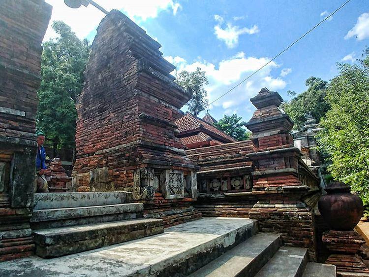 Menikmati Makam Raja Imogiri, Historis dan Sejuk di Pagi Hari