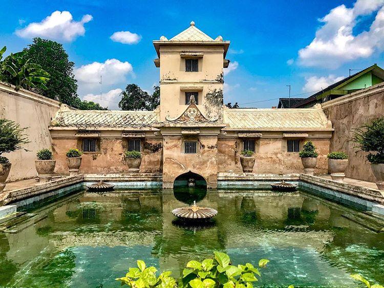 Taman Sari, Bekas Pemandian Putri Raja yang Mempesona
