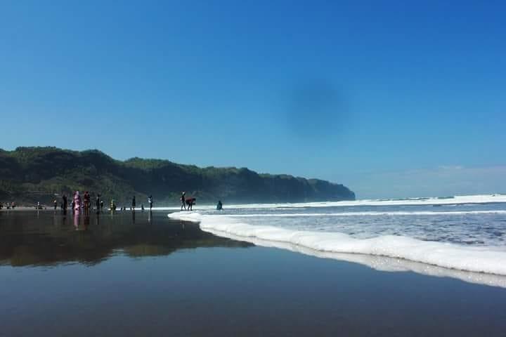 Hamparan pantai Parangtritis Bantul Yogyakarta, sumber ig @elvan_de_porres
