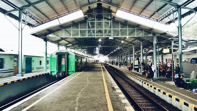 Haruskah Mencari Rental Mobil Jogja Dekat Stasiun Lempuyangan?