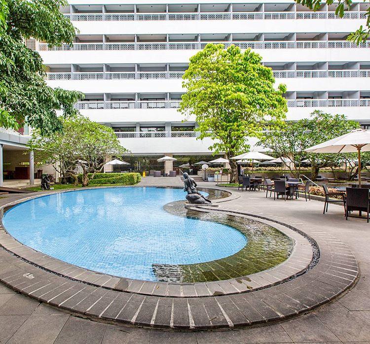 Bagian dalam hotel Royal Ambarukmo, sumber ig @royalambarrukmo