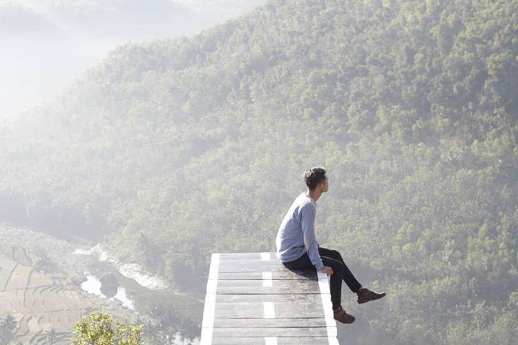 Menikmati Keindahan Sunrise di Tebing Watu Mabur, Dlingo Bantul